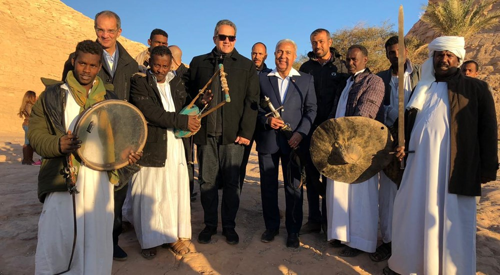 Visitors to Abu Simbel took pictures with the Minister of Antiquities