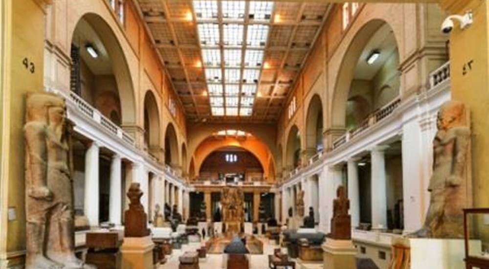 Guided tour in Egyptian Museum in Tahrir