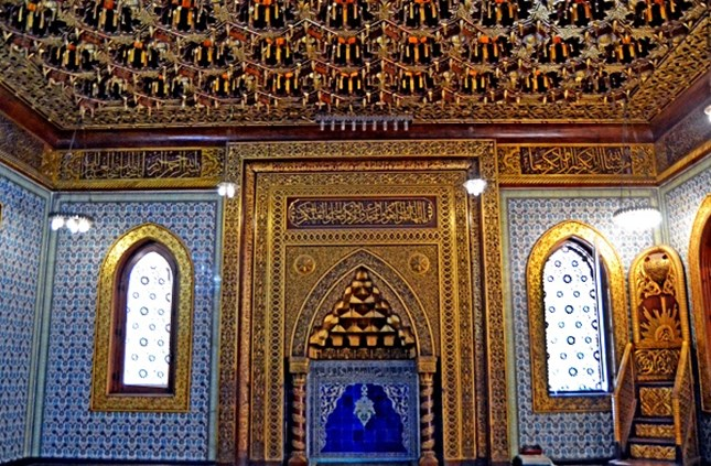The mihrab and minbar of the Prince Muhammad Ali Mosque