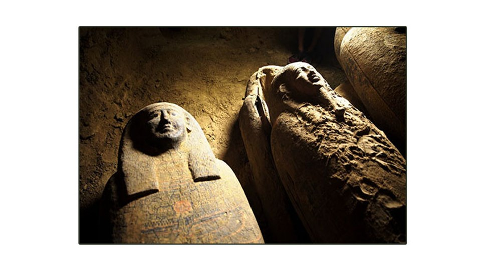 Cache of sealed coffins unearthed in Saqqara
