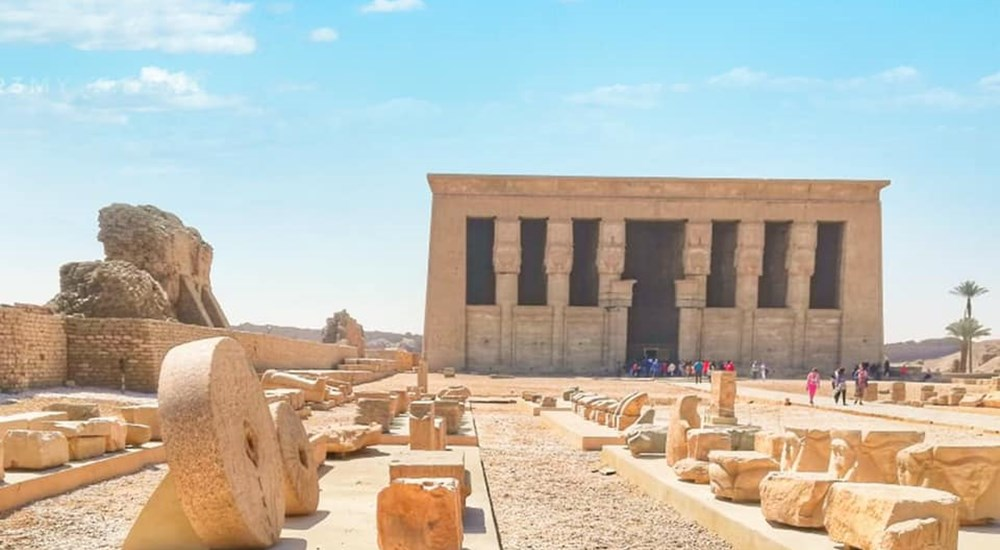 The Ministry of Tourism and Antiquities completes the second phase of the restoration and developing project at the Dendera Temple in Qena